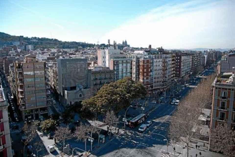 nuevo-molino-simbolo-del-resurgir-avenida-del-parallel-orgullo-del-poble-sec-1297025847234.jpg